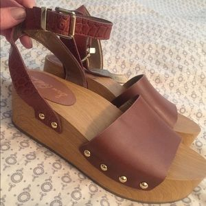 Same Edelman wedge sandals